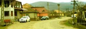 Oarţa de Sus - De-a lungu satului