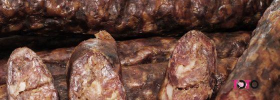 TOTO-Produse traditionale-Carnat afumat de casa